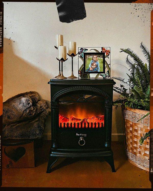 Hamilton Free Standing Electric Fireplace Stoveby e-Flame USA - Black 6
