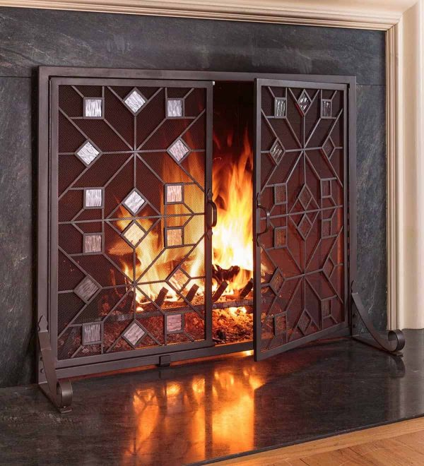 Large American Star Fireplace Fire Screen with Glass Accents and Doors 1