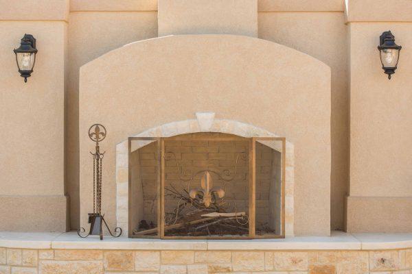 Leigh Country Fleur De Lis Fireplace Screen 3