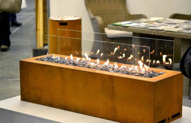 Modern bio fireplot gas fireplace on ethanol, Smart ecological alternative technologies